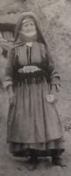 Пожилая женщина в традиционной одежде. Горис (Сюник). 1961г.